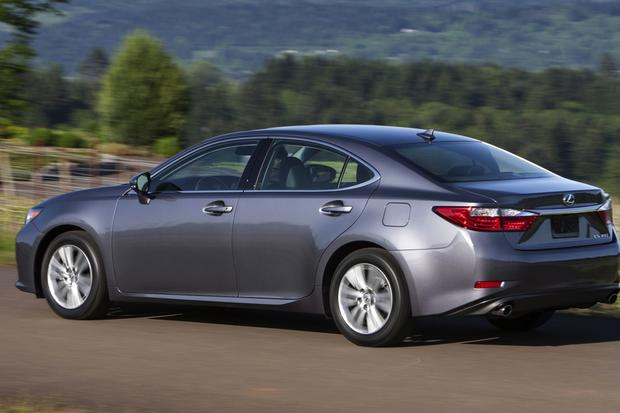 2014 Toyota Avalon Vs 2014 Lexus Es What S The