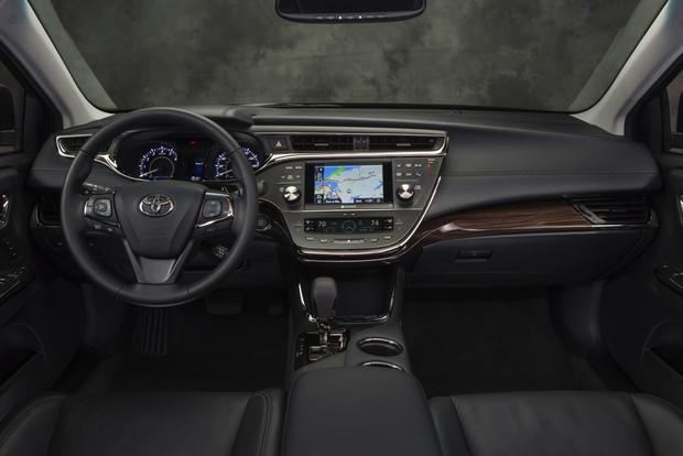 2014 Toyota Avalon vs. 2014 Lexus ES: What's the Difference? featured image large thumb8