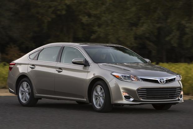2014 Toyota Avalon vs. 2014 Lexus ES: What's the Difference? featured image large thumb12