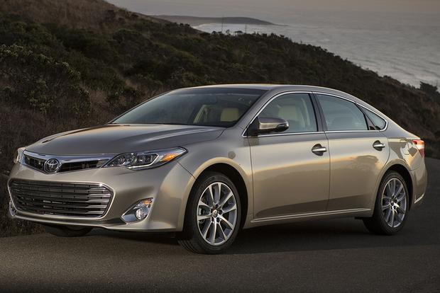 2015 Toyota Avalon vs. 2015 Chevrolet Impala: Which Is Better? featured image large thumb11