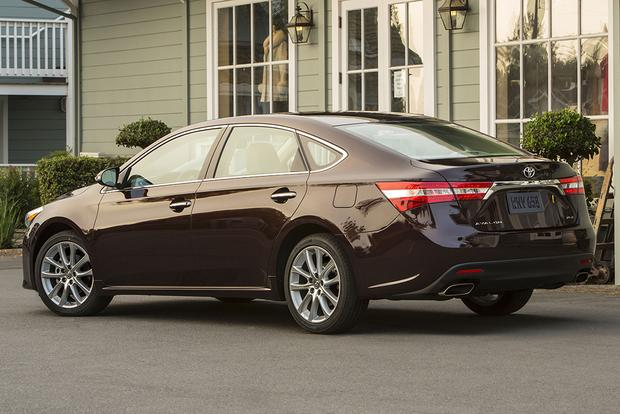 2015 Toyota Avalon vs. 2015 Chevrolet Impala: Which Is Better? featured image large thumb1