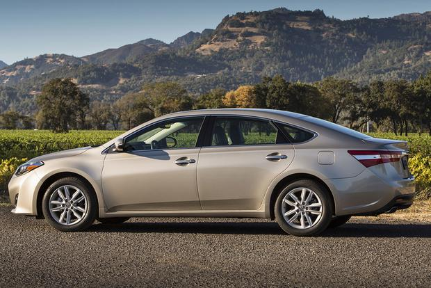 2015 Toyota Avalon vs. 2015 Chevrolet Impala: Which Is Better? featured image large thumb3