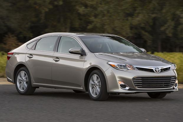 2015 Toyota Avalon vs. 2015 Chevrolet Impala: Which Is Better? featured image large thumb5