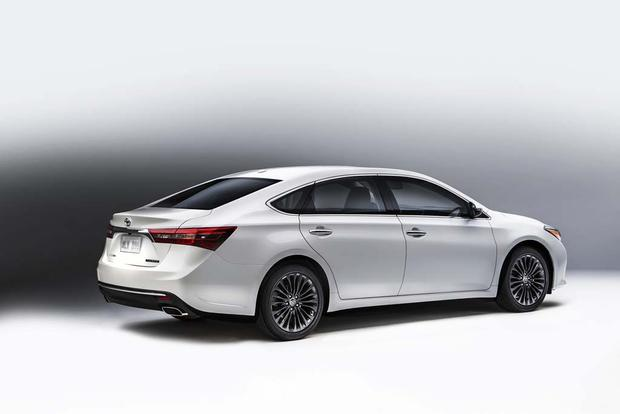 2016 Toyota Avalon New Car Review Featured Image Large Thumb3