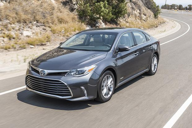 2017 Toyota Avalon Hybrid New Car Review Featured Image Large Thumb0