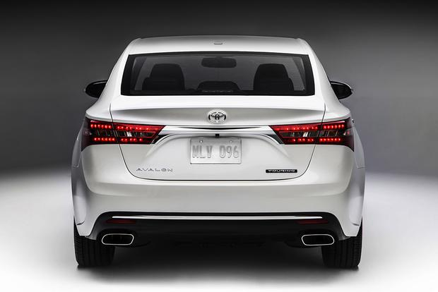 2018 Toyota Avalon: New Car Review featured image large thumb4
