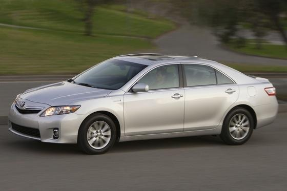 2007-2011 Toyota Camry Hybrid: Used Car Review featured image large thumb4