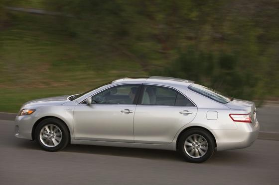 2007-2011 Toyota Camry Hybrid: Used Car Review featured image large thumb5