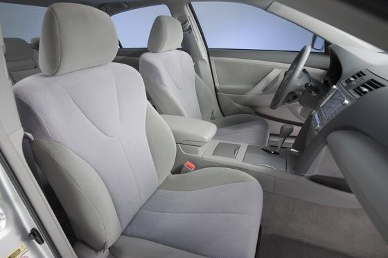 2007-2011 Toyota Camry Hybrid: Used Car Review featured image large thumb10