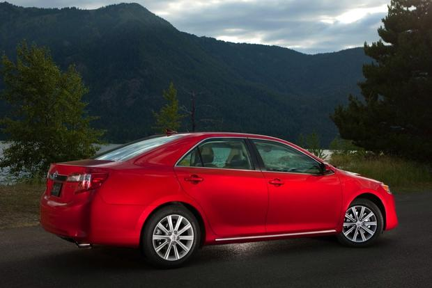 2013 Toyota Camry: New Car Review featured image large thumb3