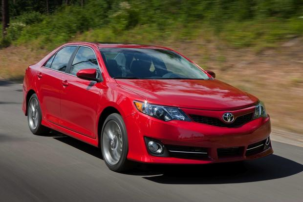 2013 Toyota Camry: New Car Review featured image large thumb4