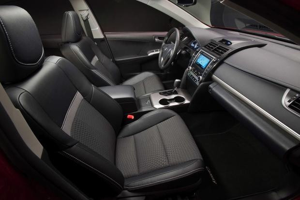 2013 Toyota Camry: New Car Review featured image large thumb8
