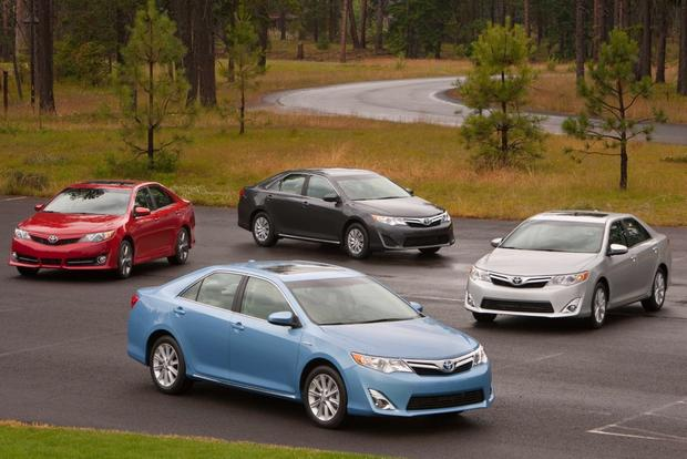 2013 Toyota Camry: Trim Level Comparison