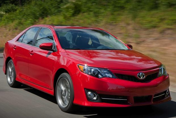 2014.5 Toyota Camry: New Car Review featured image large thumb0