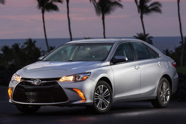 2015 Toyota Camry vs. 2015 Honda Accord: Which is Better? featured image large thumb7