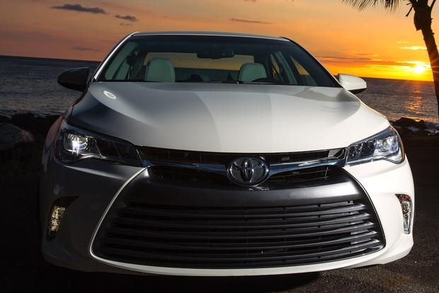 2015 Toyota Camry vs. 2015 Honda Accord: Which is Better? featured image large thumb11