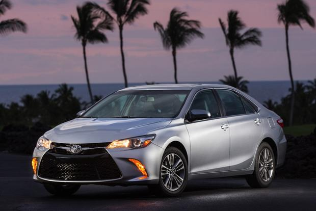 2015 Toyota Camry: Used Car Review featured image large thumb1