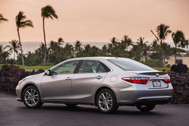 2015 Toyota Camry: Used Car Review featured image large thumb2