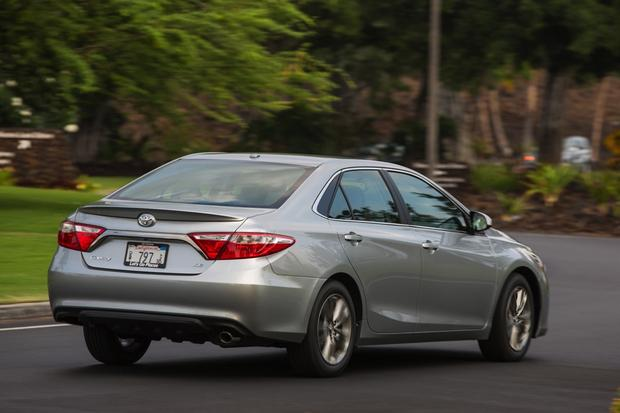 2015 Toyota Camry: Used Car Review featured image large thumb4