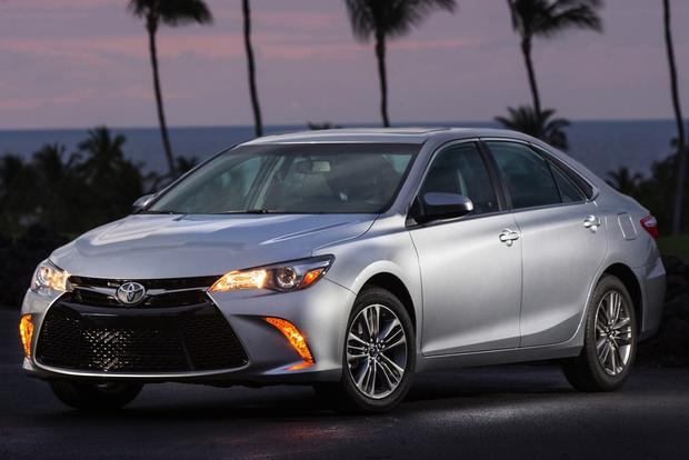 2015 Toyota Camry vs. 2015 Hyundai Sonata: Which is Better? featured image large thumb0