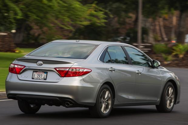 2015 Toyota Camry vs. 2015 Hyundai Sonata: Which is Better? featured image large thumb2