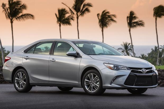 2015 Toyota Camry vs. 2015 Hyundai Sonata: Which is Better? featured image large thumb3