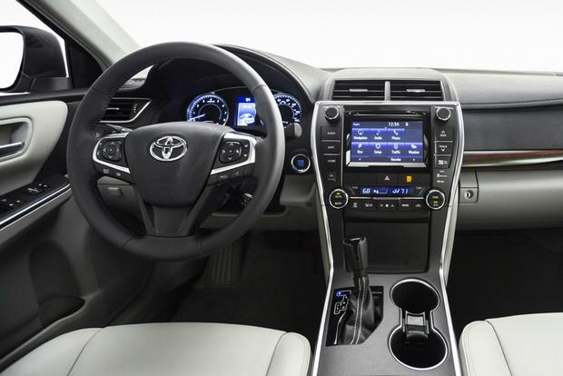 2015 Toyota Camry vs. 2015 Hyundai Sonata: Which is Better? featured image large thumb4