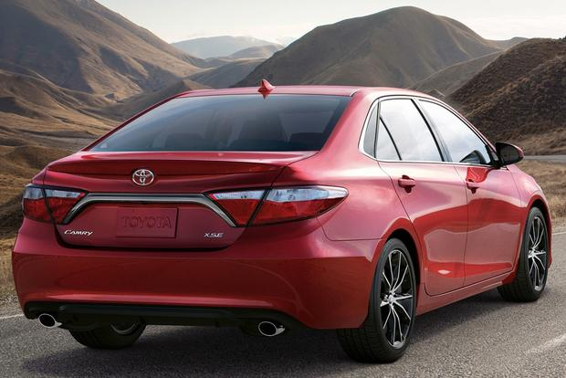 2015 Toyota Camry: What's New featured image large thumb2