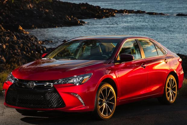 2015 Toyota Camry Vs 2015 Ford Fusion Which Is Better Autotrader