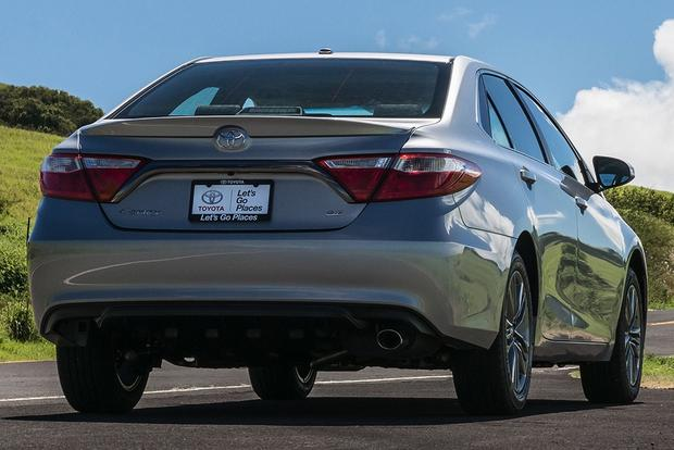 2015 Toyota Camry vs. 2015 Ford Fusion: Which is Better? featured image large thumb7