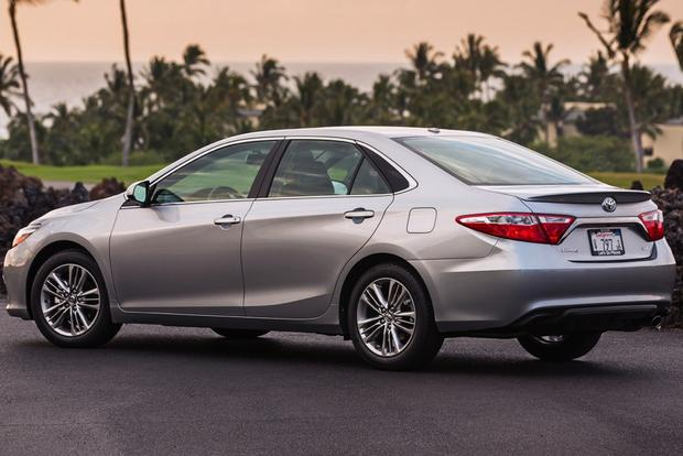 2015 Toyota Camry vs. 2015 Ford Fusion: Which is Better? featured image large thumb10