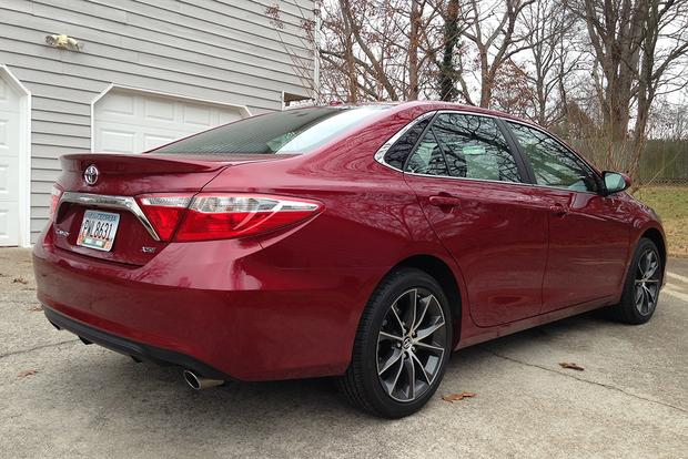 2015 Toyota Camry XSE: Real World Review featured image large thumb1