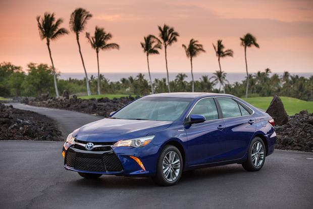 2016 Toyota Camry Hybrid New Car Review Featured Image Large Thumb0