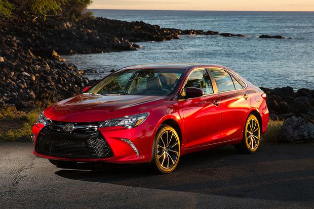 2017 Toyota Camry: New Car Review featured image large thumb1