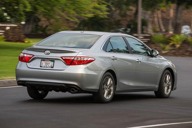 2017 vs  2018 Toyota Camry: What's the Difference? - Autotrader