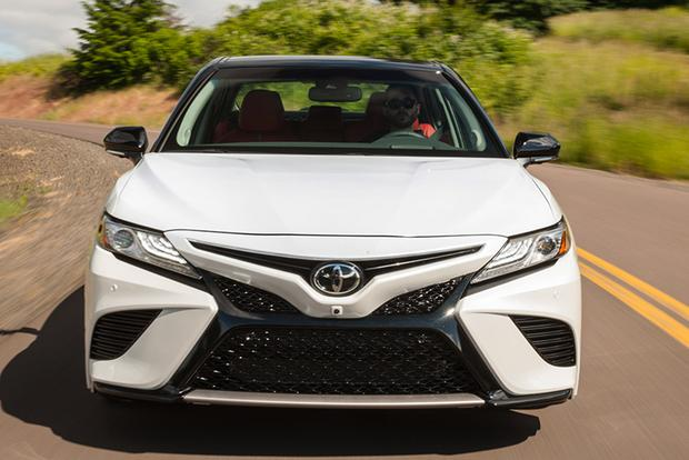2017 vs. 2018 Toyota Camry: What's the Difference? featured image large thumb0