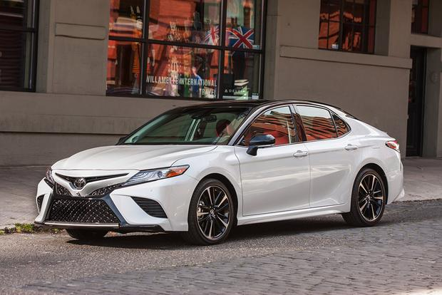 2017 vs. 2018 Toyota Camry: What's the Difference? featured image large thumb10