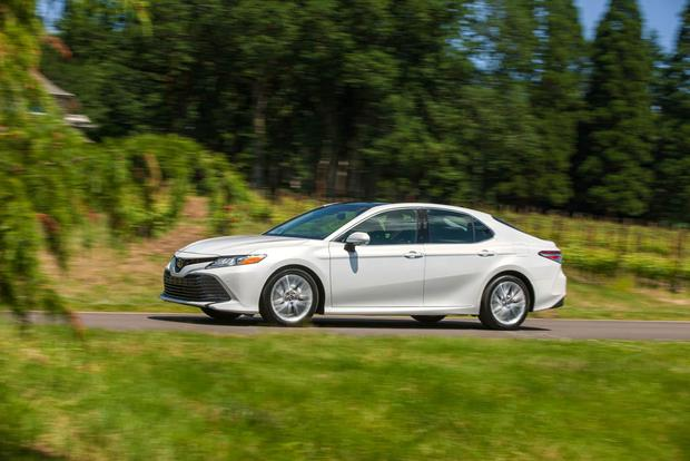 2018 Toyota Camry: New Car Review featured image large thumb1