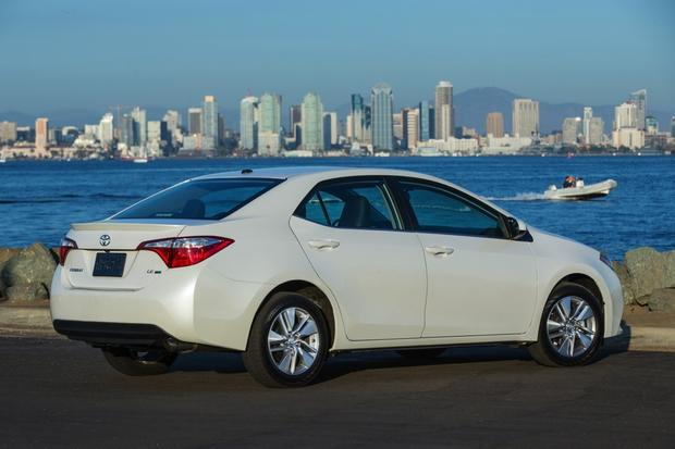 2013 vs. 2014 Toyota Corolla featured image large thumb2