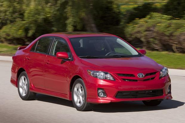 2013 vs. 2014 Toyota Corolla featured image large thumb7
