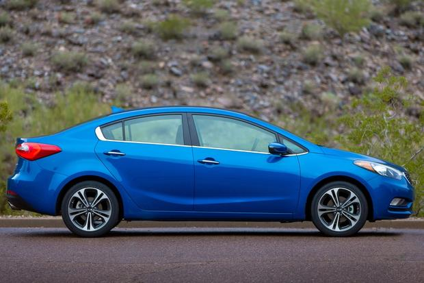 2014 Kia Forte vs. 2014 Toyota Corolla: Which Is Better? featured image large thumb7