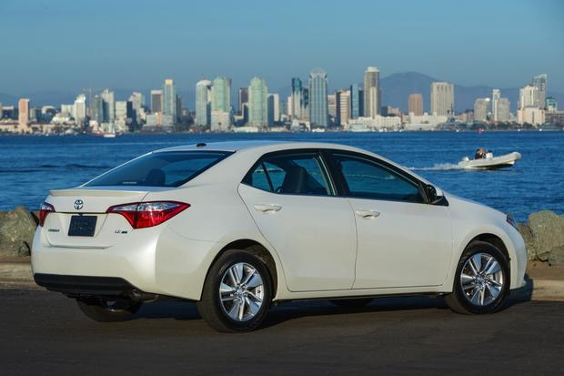2014 Toyota Corolla vs. Honda Civic featured image large thumb0