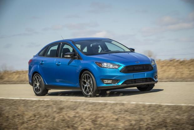 2015 Toyota Corolla vs. 2015 Ford Focus: Which is Better? featured image large thumb7