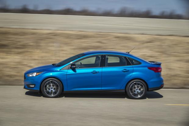 2015 Toyota Corolla vs. 2015 Ford Focus: Which is Better? featured image large thumb8