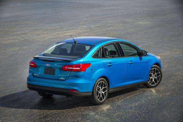 2015 Toyota Corolla vs. 2015 Ford Focus: Which is Better? featured image large thumb11