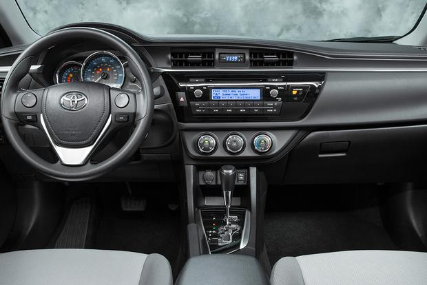 2015 Toyota Corolla Vs 2015 Toyota Yaris What S The Difference