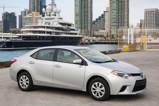 2016 vs. 2017 Toyota Corolla: What's the Difference? featured image large thumb11
