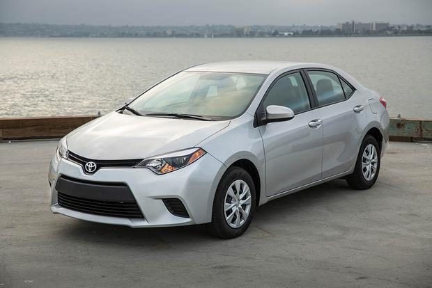 2016 vs. 2017 Toyota Corolla: What's the Difference? featured image large thumb3