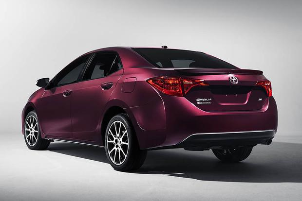 2016 vs. 2017 Toyota Corolla: What's the Difference? featured image large thumb8