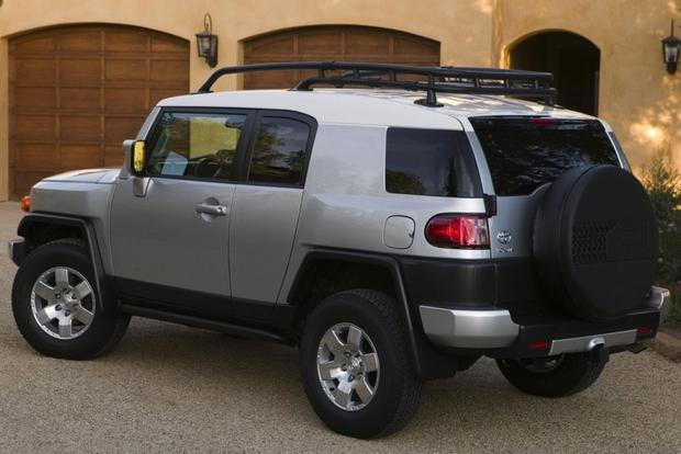 2007-2012 Toyota FJ Cruiser Used Car Review featured image large thumb6